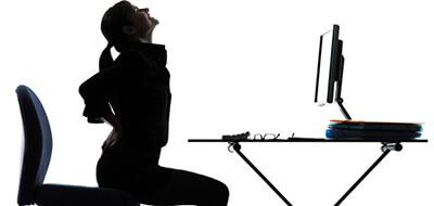 Ergonomisk kontorstol og ergonomiske redskaber